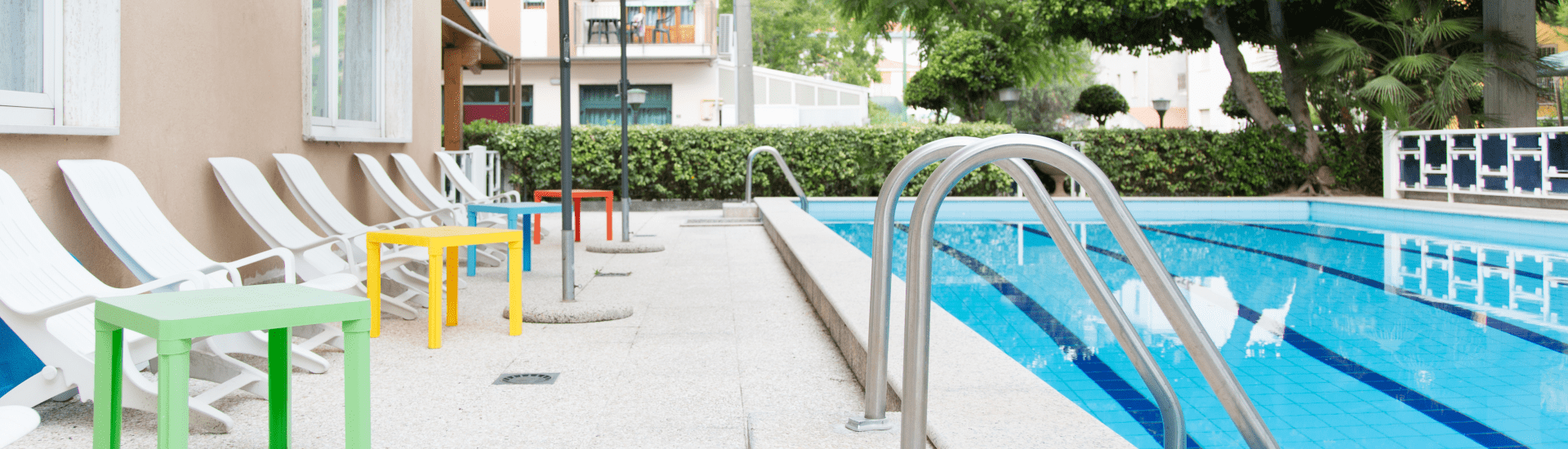 piscina_hotel_saint_tropez_pineto-min