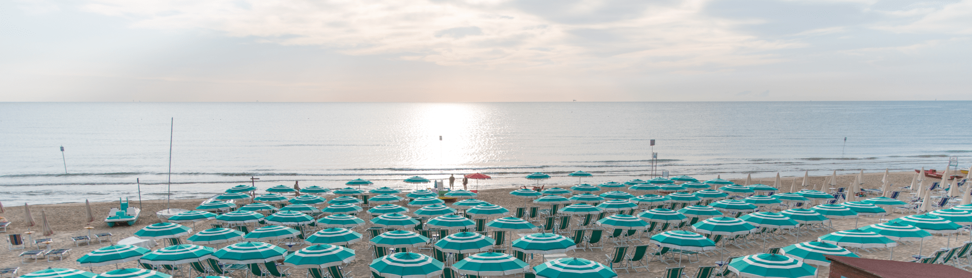 spiaggia_hotel_saint_tropez_pineto-min